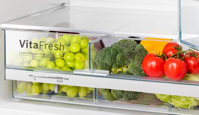 Холодильник BOSCH NatureCool KGE39XL2OR
